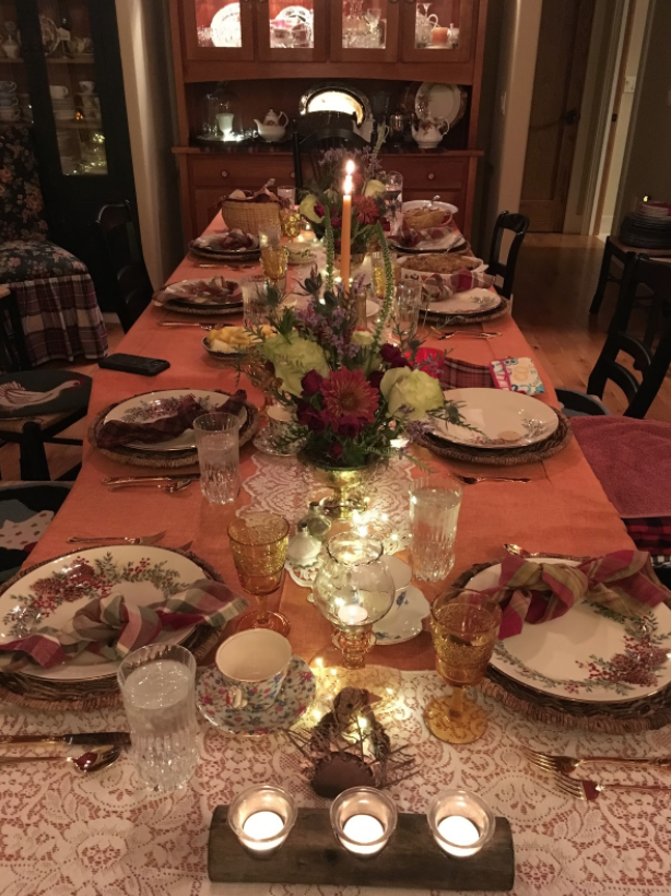Alayna celebrated Thanksgiving with an elaborate meal shared with her family.